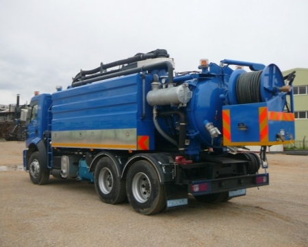 Combined Canal Jetting Vehicle